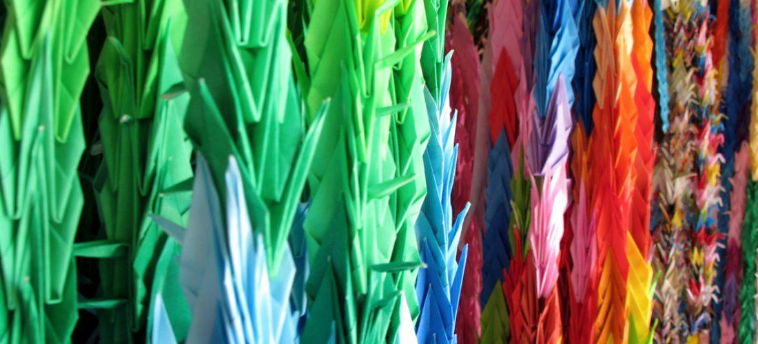 Grullas de papel. Monumento a la Paz de los Niños, Hiroshima